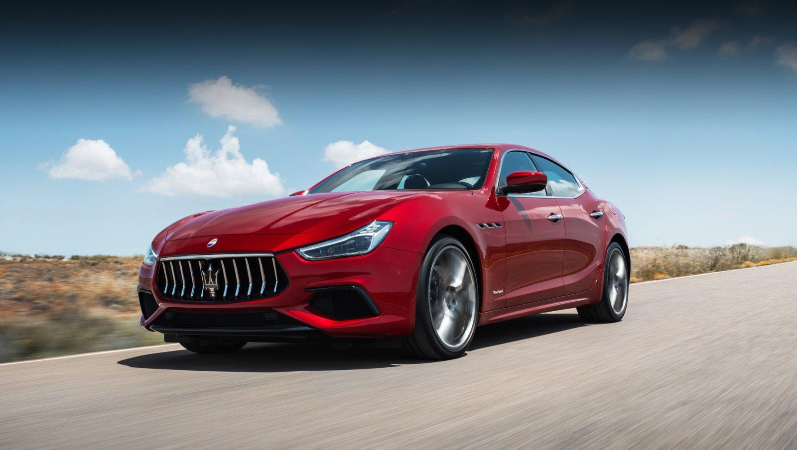 Відновлення передніх важелів Maserati Ghibli (кульові опори та всі сайлентблоки).