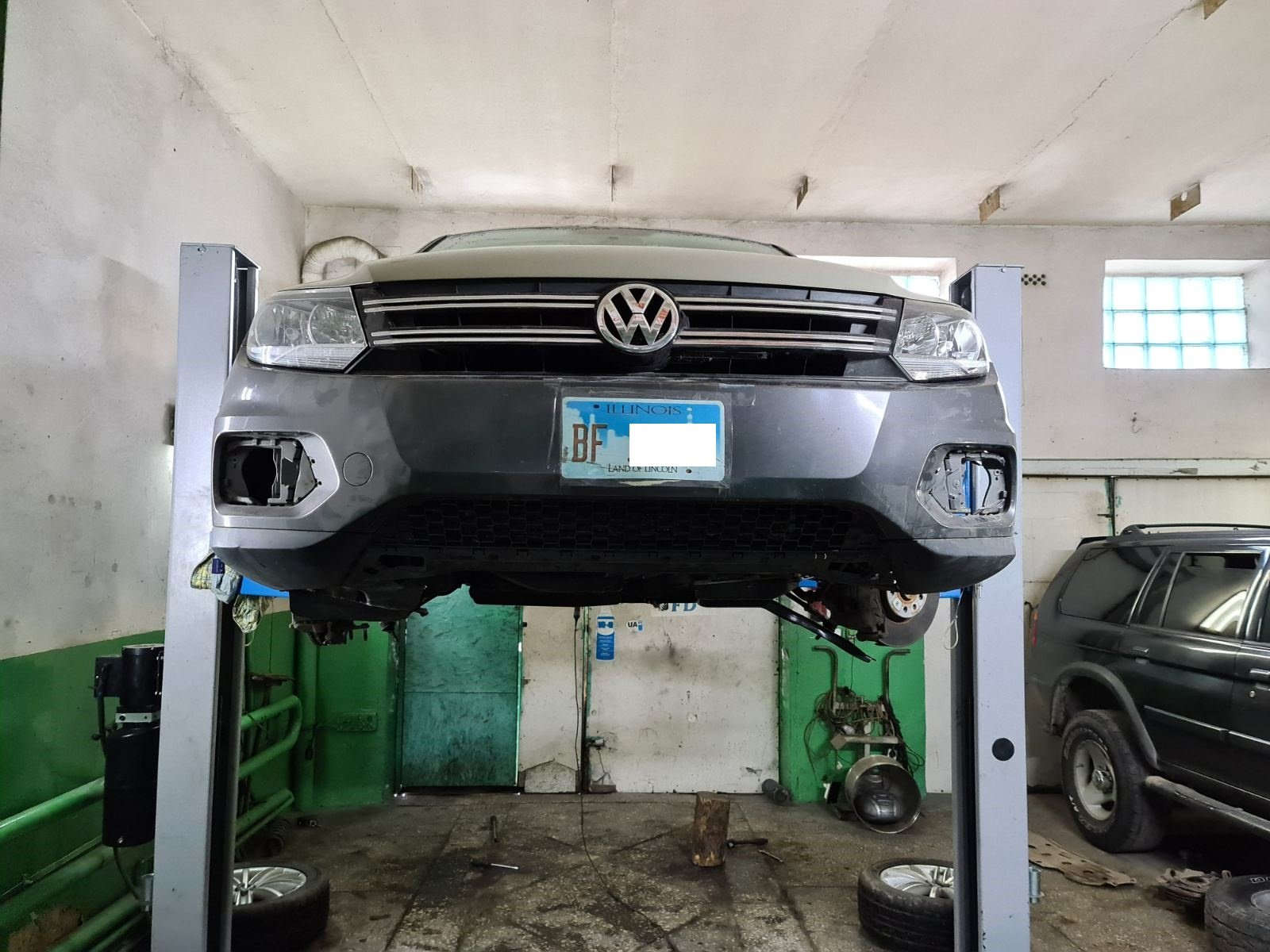 Volkswagen Tiguan відновлення передньої та задньої підвіски