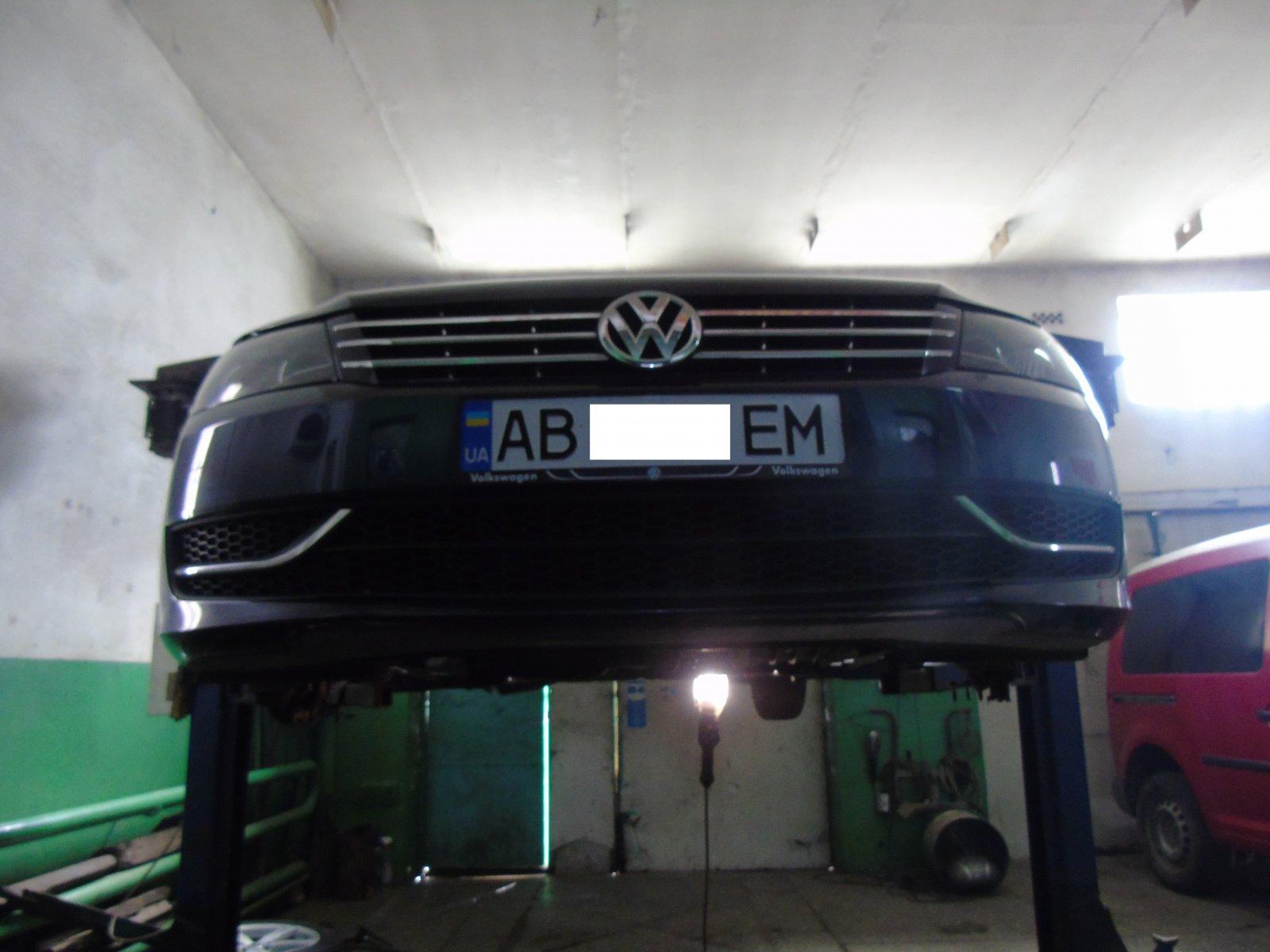 Відновлення всіх сайлентблоків на передніх важелях Volkswagen Passat B7